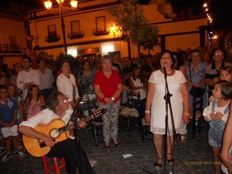 Loli Garrido cantando la Salve