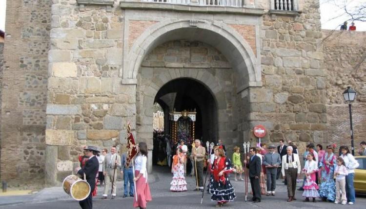 Hermandad de Toledo – Sabatina de Navidad, Cambio de varas y Nombramiento Hna. Honoraria a la Alcaldesa de Toledo