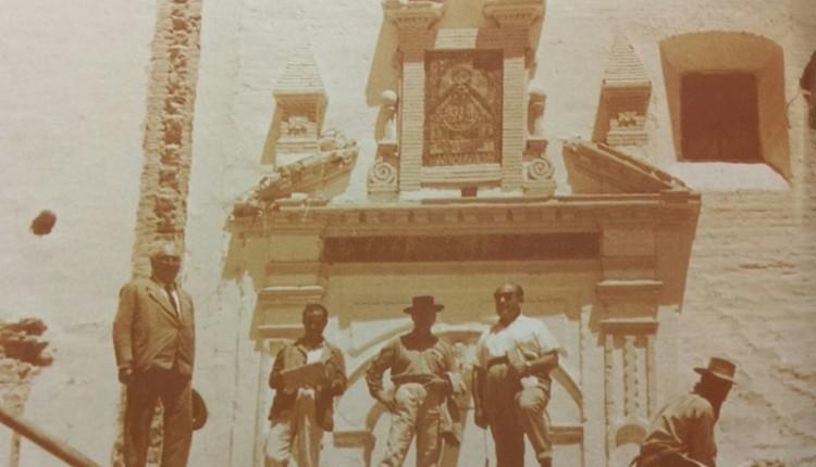 El retablo de azulejos más antiguo de la Virgen del Rocío