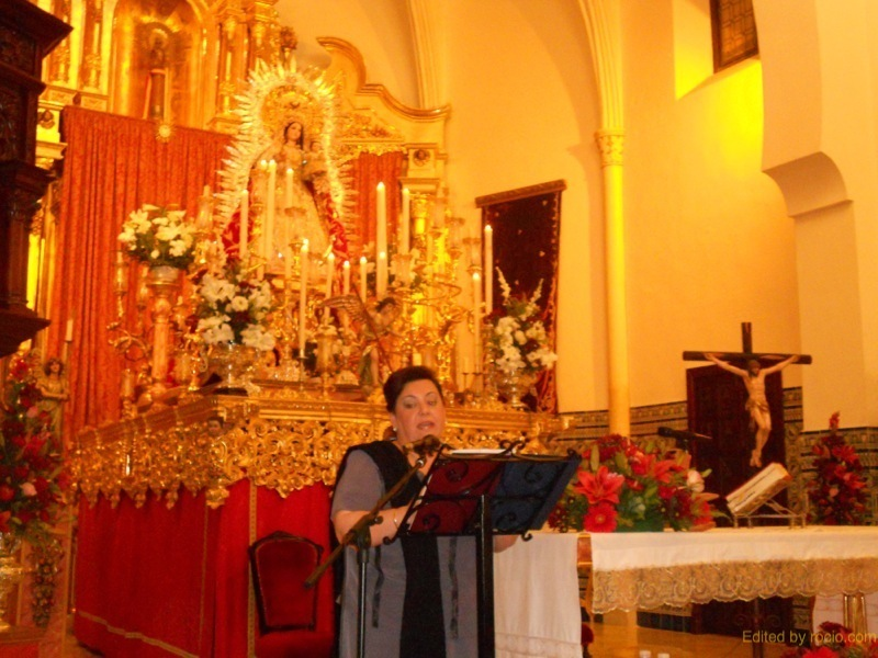 Isabel Perera Moreno, presentando al Exaltador