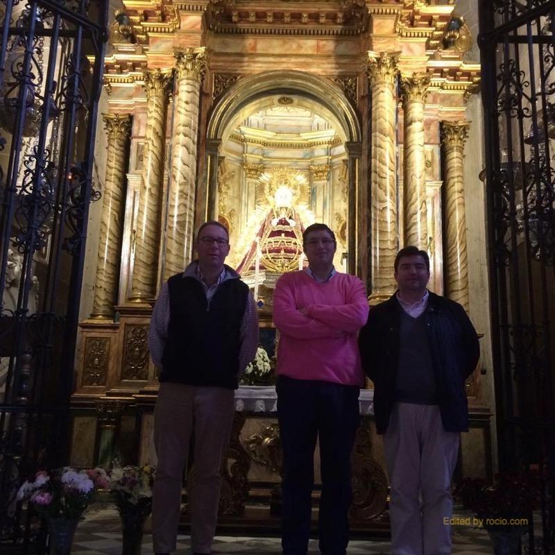 Ante la Patrona de Carmona, Santa María de Gracia, concluimos esta agradable visita a la cuidad y a la Hdad Rocío De Carmona.