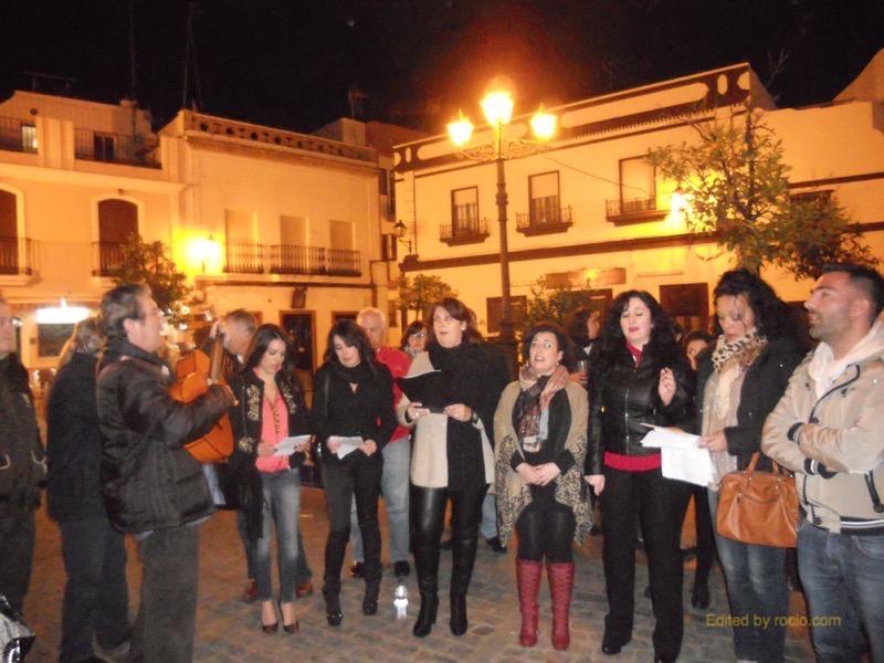 osé María de Lepe dirigiendo a su Escuela de Canto mientras interpretaban la Salve