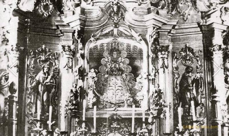 Detalle del camarín de la Virgen del antiguo retablo