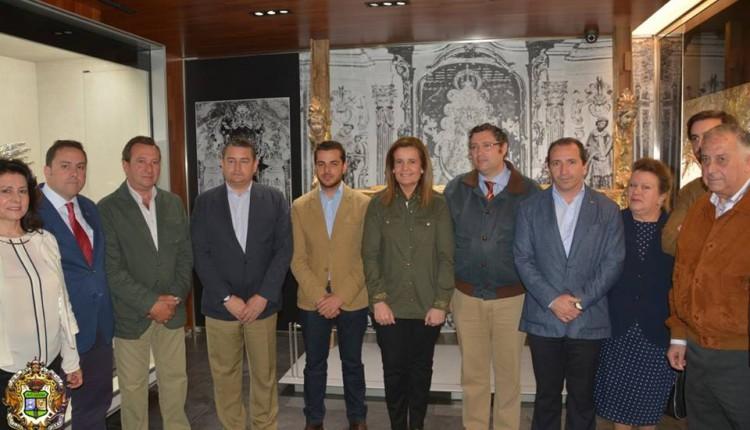 La Ministra de Empleo y Seguridad Social, ha visitado el Santuario de la Virgen del Rocío