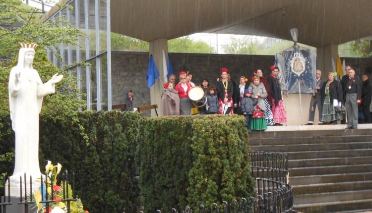 Hdad. de Bruselas – Momentos vividos para compartir… 15 años de peregrinacion al Santuario de Ntra. Sra. del Corazon de Oro (Beauraing, Bélgica)