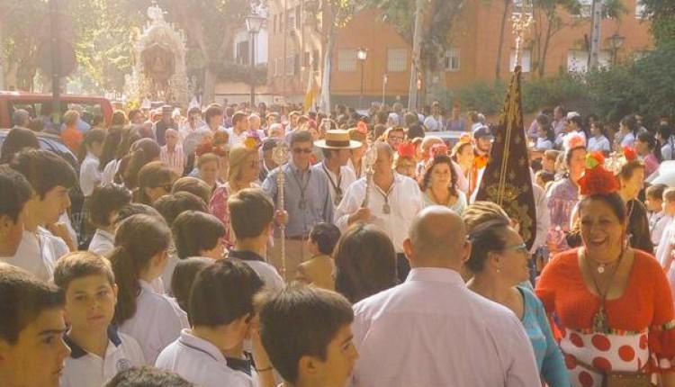 Salida de la Hermandad de Sevilla Sur 2015