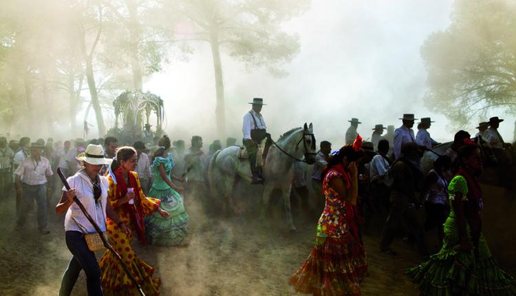 Para los Anales de Huelva, artículo de Santiago Padilla sobre la Magna Rociera