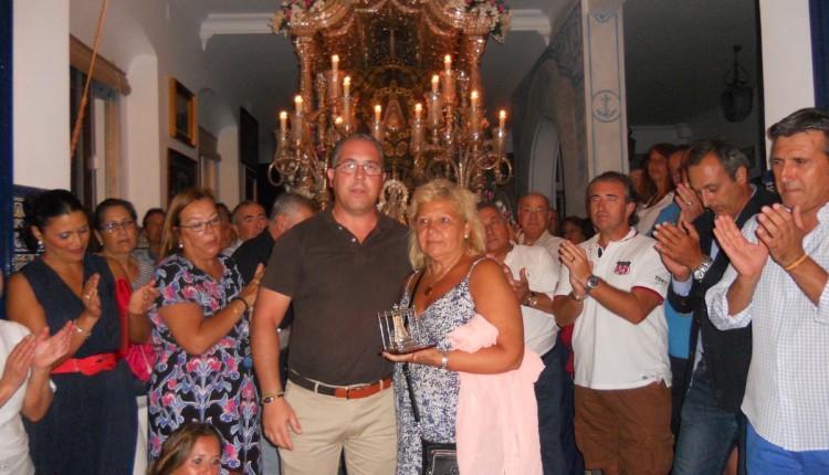 La Presidenta de la Asociación de Victimas del Terrorismo visita la Hermandad de Isla Cristina