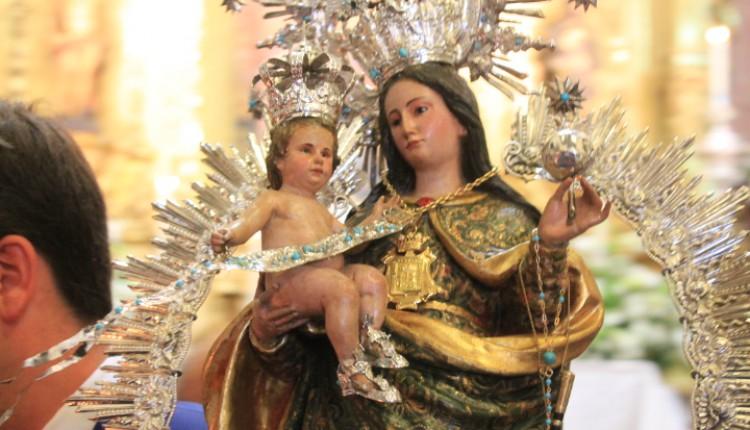 Hermandad de Huelva – Ofrenda floral a la Virgen de La Cinta