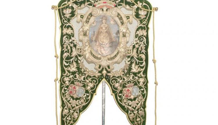 Hermandad de Triana – Presentada la restauración-conservación del Antiguo Simpecado de la Virgen del Rocío