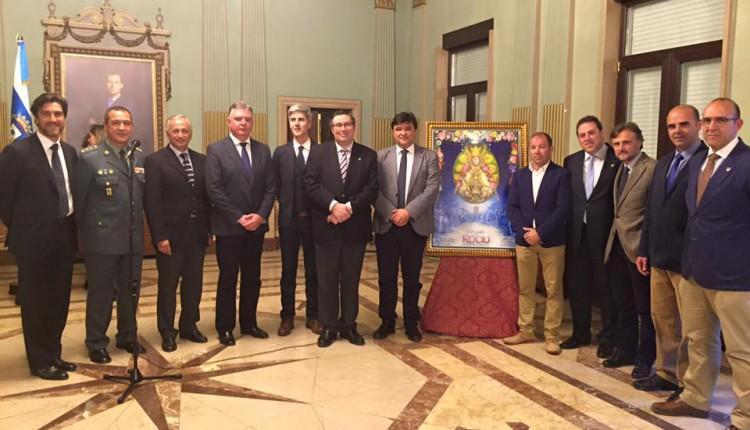 Presentación del cartel de la Romería del Rocío 2016 en el Ayuntamiento de Huelva