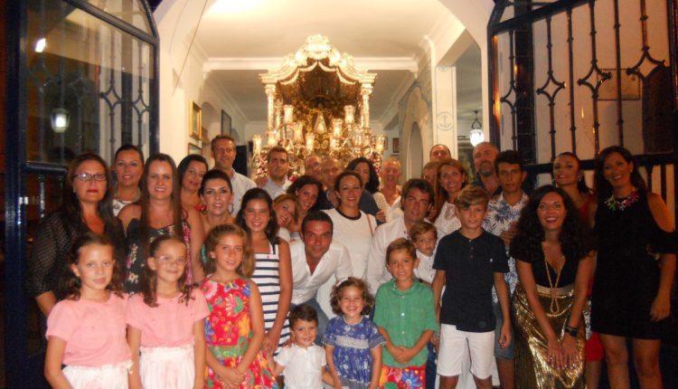 Hermandad de Isla Cristina – LA CASA «EL TINTINEO» CANTA LA SALVE DE ISLA CRISTINA