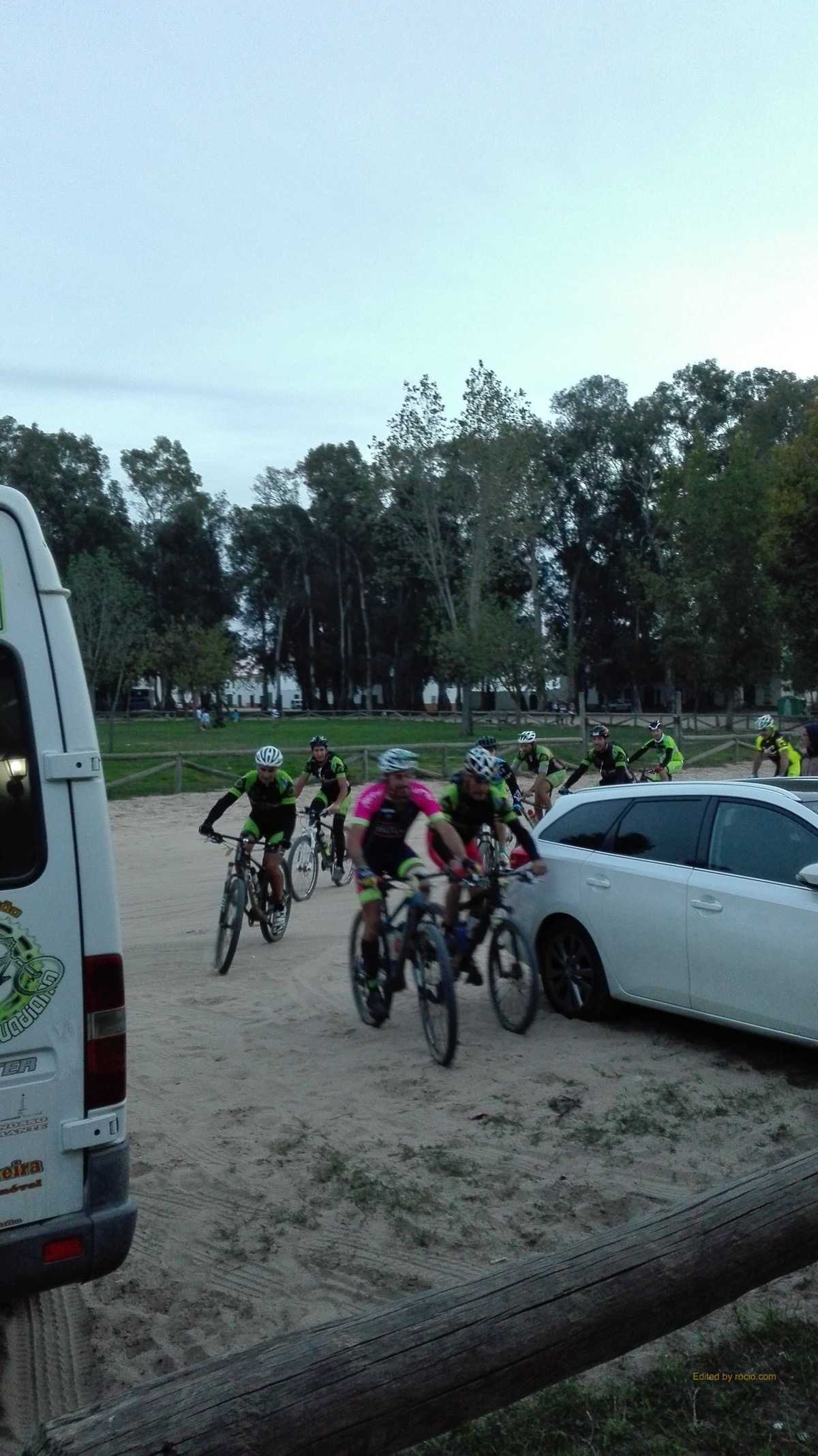 isla-cristina-ciclistas-2