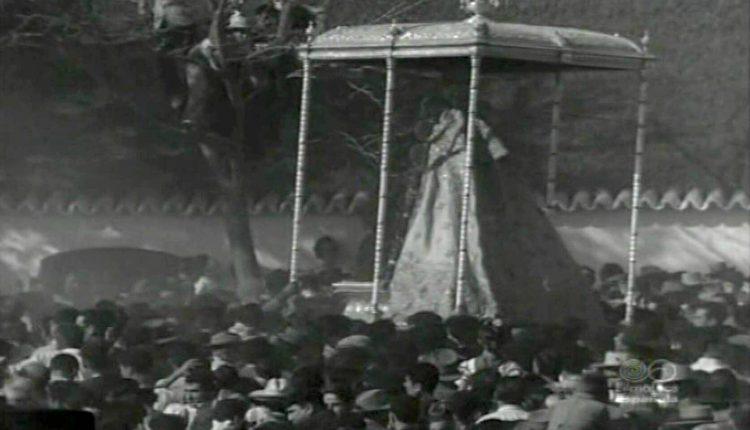 Romería del Rocío de 1962 – Foto de la Procesión de Ntra. Sra. la Virgen del Rocío