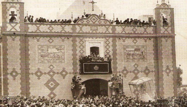 La Romería del Rocío de 1959 – Foto de la Salida de la Virgen de la Ermita construida en 1758