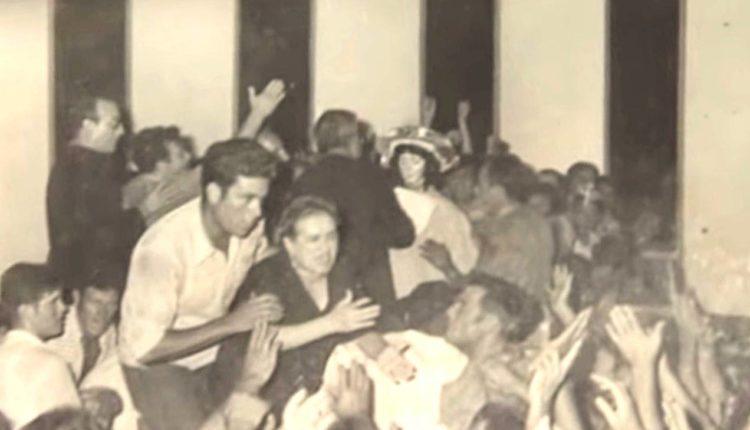 Traslado de la Virgen del Rocío en 1970 por Javier Coronel