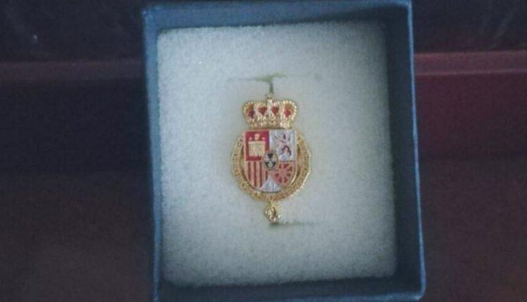 Hermandad de San Sebastián de los Reyes – Recibe la Insignia con el escudo de armas de S.M. Felipe VI