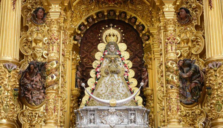 La Virgen del Rocío luce para la Candelaria