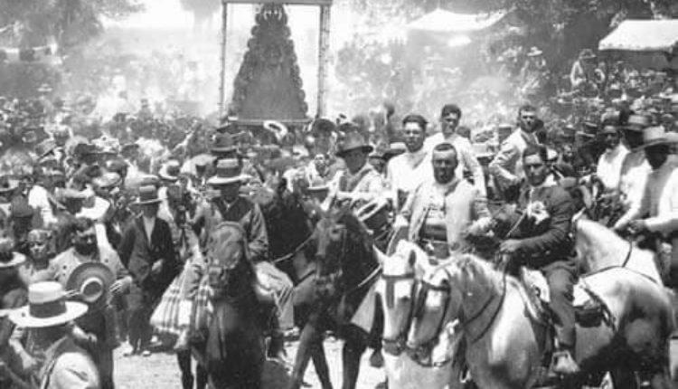 LA PRENSA Y LA CORONACIÓN DE LA VIRGEN DEL ROCIO por Santiago Padilla