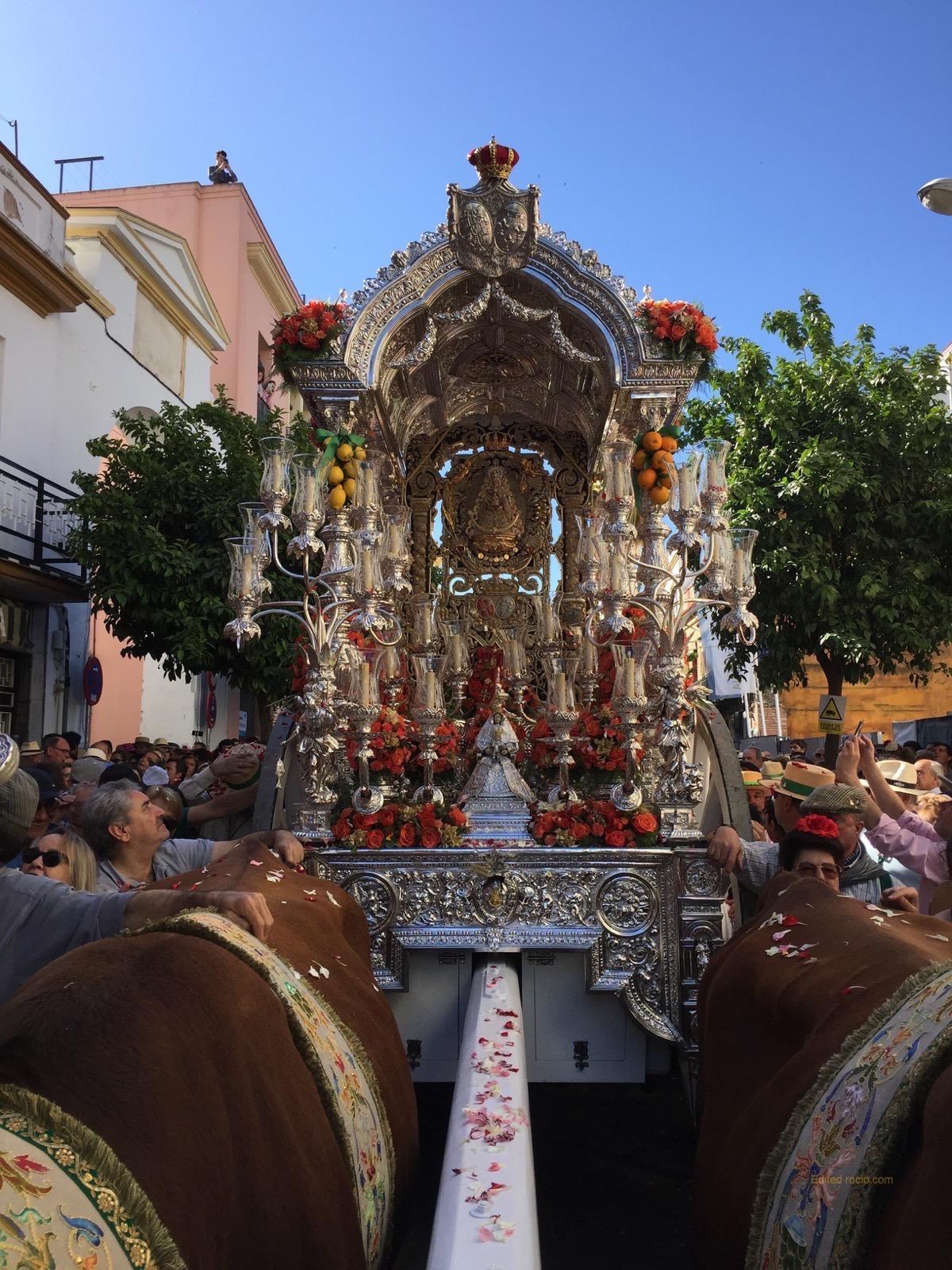 Salida De La Hermandad De Triana 2018 Rocio Com