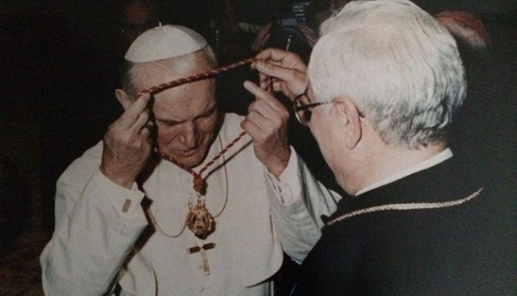 Misa, conmemorativa por el XXV Aniversario de la visita apostólica del Papa San Juan Pablo II al Rocío.