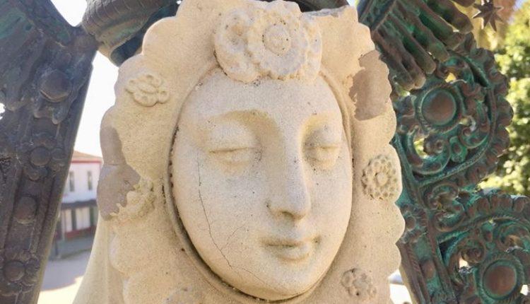 Restaurado el Monumento de la Virgen que se encuentra en El Real del Rocío