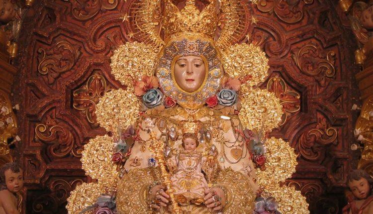 La Virgen del Rocío luce para la Navidad de 2018