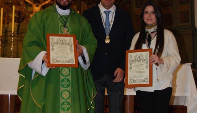 Hermandad de Málaga La Caleta – Dña. Isabel Lería Pintora de la Romería 2019 y el Rvdo. D. Salvador Aguilar Pregonero Rocío 2019