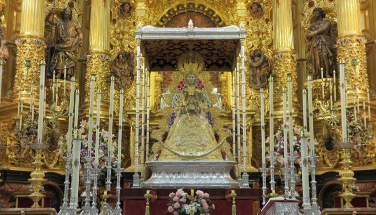 La Virgen del Rocío luce el Nuevo Traje y la Corona para la próxima Romería 2019