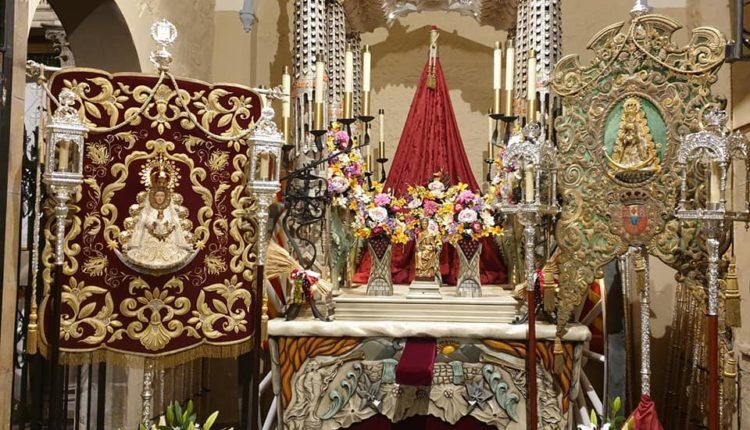 Las Hermandades de Huelva y Barcelona juntas ante el Altar