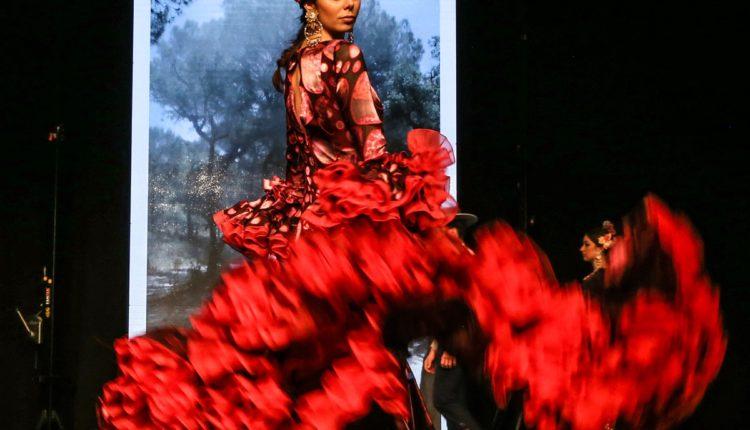 Hermandad de Emigrantes – Cantares y los diseños de Revuelos deslumbran en la VII Gala Flamenca de Emigrantes