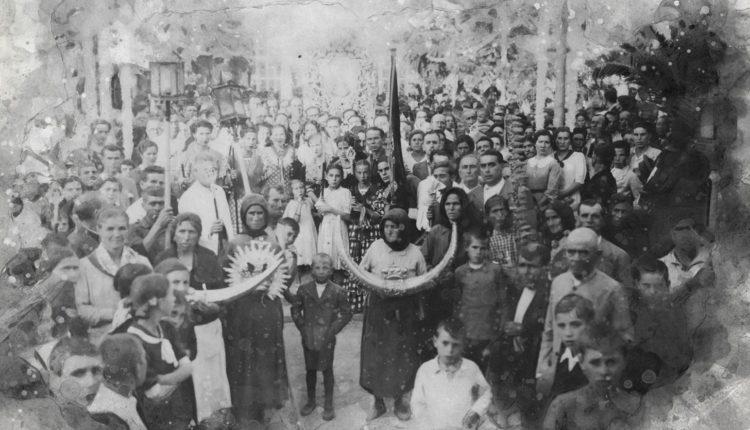La Hermandad de Huelva en el Traslado de la Virgen del Rocío a Almonte de 1939 por Javier Coronel
