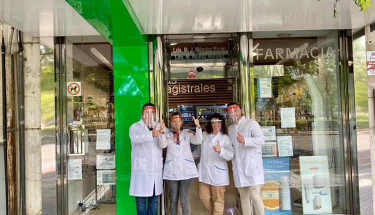El Rocío de Córdoba elabora pantallas protectoras para los que luchan contra el coronavirus