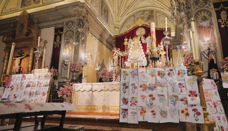 COLOREA FLORES para la Virgen y el Pastorcito