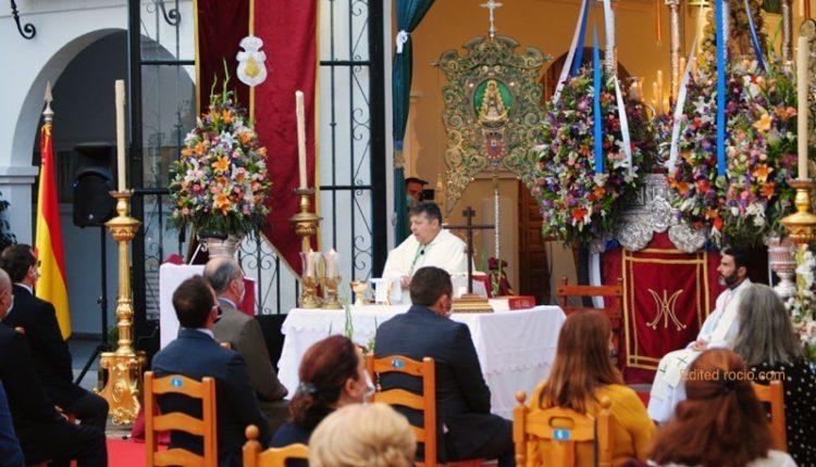 """Huelva y Emigrantes viven juntas sus """"minutos de cielo"""" el lunes de Pentecostés 2020"""