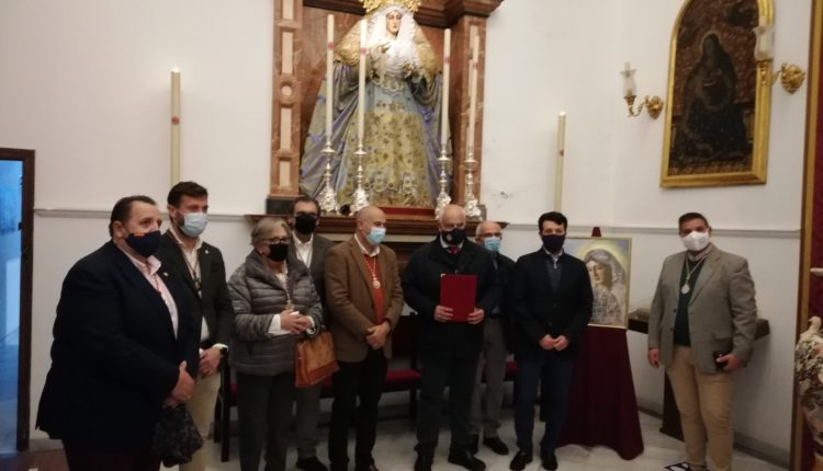 Emigrantes se adhiere a la petición de coronación canónica de la Virgen de la Amargura