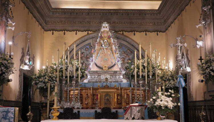 La Virgen del Rocío viste de celeste en la Inmaculada Concepción 2020