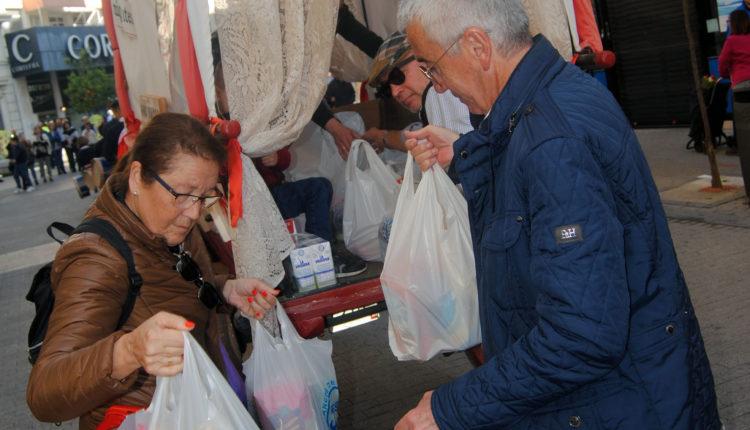 El carro tradicional de Emigrantes no pudo salir a recoger los alimentos debido a la Covid