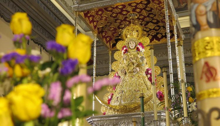 La Virgen del Rocío amanece en su paso a las puertas de un Rocío de Esperanza