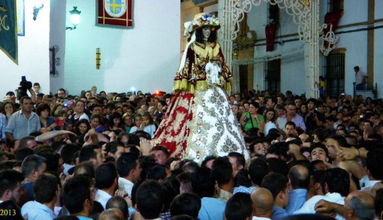 50 fotografías del regreso de la Virgen a su Santuario (1950-2013)